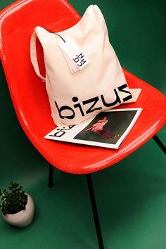 Vintage Graphic Design Bizuz Vintage Clothing on Behance - Identity Design, Visual Identity, Brand Identity, Logo Design, Design Design, Typography Inspiration, Graphic Design Inspiration, Vintage Outfits, Vintage Clothing