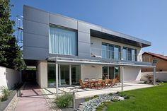 Villa B by Architekti Mikulaj & Mikulajova