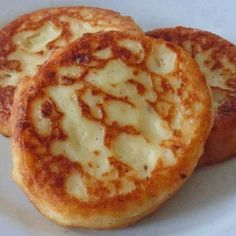 Here's a potato pancake that doesn't take much time to make and is just right for two people. WW POINTS= 2 Ingredients: 4 cups cold mash potatoes 5 slices bacon 1/2 teaspoon onion powder 1/2 teaspoon salt 1/2 teaspoon black pepper 2 eggs well beaten 1/2 cup shredded cheddar cheese HOW TO MAKE: CLICK NEXT …