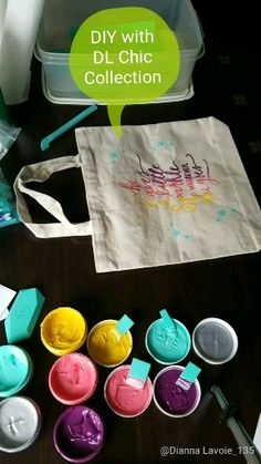 "She leaves a little sparkle wherever she goes totebag The cutest little tote bag made for ""her"" using Chalk Couture products. Diy Bag Painting, Chalk Crafts, Chalk Design, Make Up Braut, Barn Quilt Patterns, Diy Tote Bag, Chalk It Up, How To Make Tshirts, Diy Blog"