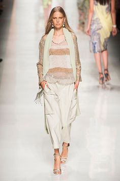 2014 Milan Fashion Week.  This outfit looks so comfortable and feminine.