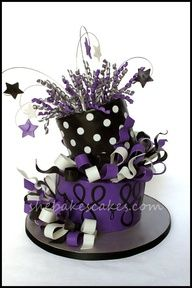 Great Birthday cake idea for teen to adult. Cupcakes, Cupcake Cookies, Unique Cakes, Creative Cakes, Beautiful Cakes, Amazing Cakes, Teen Cakes, New Year's Cake, Purple Cakes