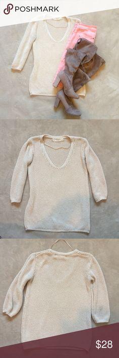 Zara knit sweater Zaraknit in good condition. Very pretty and feminine Zara Sweaters