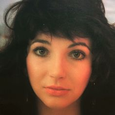 Kate Bush, 1980. Top Artists, Music Artists, Funny Adult Memes, Guns, Paramore, Pop Rocks, Female Singers, Record Producer, Beauty