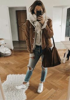 50 casual outfits for winter - Fashion - Winter Mode Cold Spring Outfit, Hot Day Outfit, Casual Winter Outfits, College Winter Outfits, Outfit Winter, Winter Outfits 2019, Stylish Outfits, Winter Hair, Spring Outfits