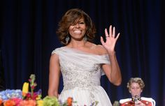 De meest besproken outfits van stijlicoon Michelle Obama - Gazet van Antwerpen: http://www.gva.be/cnt/dmf20170112_02670100/de-mooiste-outfits-van-stijlicoon-michelle-obama?hkey=200e8092de0d0d4328a7826a95ec97ea