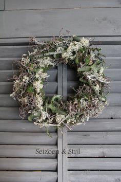 Seizoen & Stijl: Kransen Diy Flowers, Wedding Flowers, Flower Diy, Art Floral, Vintage Crafts, Diy Projects To Try, Autumn Leaves, Floral Arrangements, Christmas Wreaths