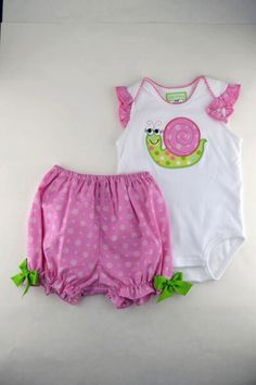 Snail applique baby girls onesie set ( diaper cover and onesie)