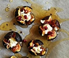 19 Easy Spanish Recipes to Throw the Best Tapas Party - Higos con Miel y Queso: Roasted figs filled with creamy goat cheese and drizzled with honey are like fireworks in your mouth! (via Crystal Cartier Photography) Tapas Recipes, Fig Recipes, Appetizer Recipes, Cooking Recipes, Party Recipes, Tapas Ideas, Crab Recipes, Paella Party, Tapas Party