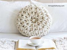 Crochet – Page 45 Chunky Crochet, Chunky Yarn, Crochet Pillow, Crochet Blankets, Knitted Pouf, Crochet Home Decor, Types Of Craft, Round Pillow, Loom Knitting