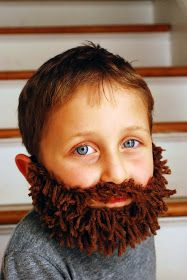 This beard is so cute! The Magi need beards, right? Q-made: DIY Yarn Beard! Costume Halloween, Theme Halloween, Christmas Costumes, Nativity Costumes, Diy Nativity, Diy Costumes, Christmas Pageant, Christmas Program, Kids Christmas