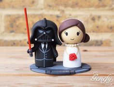 Pin it now for later ! Theme Star Wars, Star Wars Cake, Wedding Cake Toppers, Wedding Cakes, Skateboard Cake, Buttercream Cake Designs, Galaxy Wedding, Star Wars Wedding, Fondant Figures