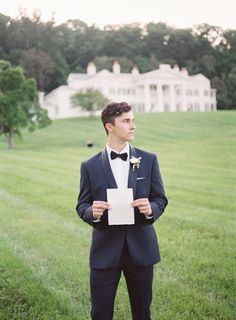 Photography: Camille Catherine Photography - www.camillecatherine.com   Read More on SMP: http://www.stylemepretty.com/2016/09/01/english-estate-garden-wedding-inspiration/