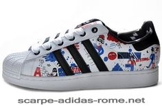 buy online 76d22 f03cb Superstar II Adidas Uomo Donna Running Bianche Nere Blu Print G43778 Scarpe  (Adidas italia)