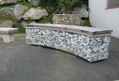 This is how to build a gabion bench seat and stools for your backyard! Landscaping Around House, Modern Landscaping, Backyard Landscaping, Backyard Projects, Outdoor Projects, Garden Furniture, Outdoor Furniture, Outdoor Decor, Gabion Wall Design