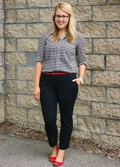 Red flats outfit, outfits with red shoes, casual work outfits, office Casual Work Outfits, Business Casual Outfits, Professional Outfits, Mode Outfits, Work Casual, Fashion Outfits, Curvy Work Outfit, Fashion Tips, Business Attire