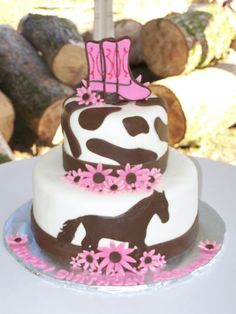 Horse Cake- cute and yummy-looking! Once you've got the cake covered, come in to see us for the rest for your horsey birthday girl: www.HarrowsmithHorseCountry.com