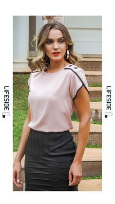 LIFESIDE | Moda Feminina Primavera 2019. Blusa rosa com viés preto e botões de massa. #Fashion #ModaFeminina #LookDoDia #Looks #ModaPrimaveraVerao #Lifeside #Lookbook Spring Summer 2019 Lookbook #Moda #Fashion #OOTD #SpringSummer2019 #Look #Estilo #Style Blouse Styles, Blouse Designs, Stylish Dresses, Fashion Dresses, Pakistani Fashion Casual, Blouse Outfit, Classy Outfits, Dress Patterns, Blouses For Women
