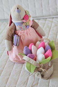 Speelgoed + 'dingen: ENL konijntje ontmoet tulpen