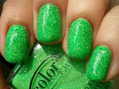 Green sparkle nails