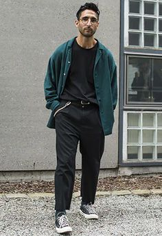 How To Wear Summer Styles In September | ASOS Hipster Stil, Estilo Hipster, Men Hipster, Mode Masculine, Mode Man, Diy Mode, Mode Streetwear, Casual Summer Outfits, Laid Back Outfits