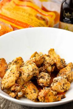 Parmesan and Garlic chicken wings recipe Garlic Parmesean Wings, Parmesan Chicken Wings, Chicken Spaghetti, Brunch Party, Baked Chicken Recipes, Side Dishes, Cooking Recipes, Yummy Food, Stuffed Peppers