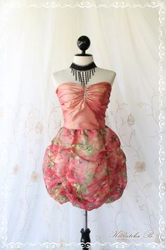 bubble/baloon/skirt  http://www.luulla.com/product/46737/prom-queen---bubble-balloon-dress-glamorous-peachy-pink-tafeta-with-organza-fabric-puffed-skirt