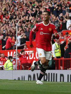 Cristiano Ronaldo Manchester, Cristiano Ronaldo 7, Ronaldo Football, Football Players, Newcastle, Manchester United Wallpaper, Live Matches, 11. September, English Premier League