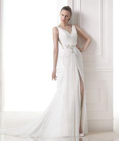 MARANTA - Flared wedding dress. Pronovias 2015 | Pronovias