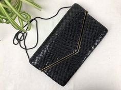 Vintage Black & Gold Envelope Clutch Shoulderbag 1980s Black Metal, Black Gold, Gold Envelopes, Envelope Clutch, Vintage Purses, Clutch Purse, Vintage Black, 1980s, Im Not Perfect