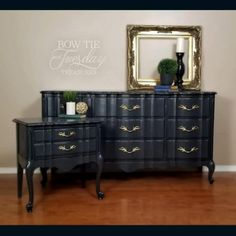 Black chalk painted French Provincial dresse and nighstand set. Light distressing as well. French Provincial Bedroom, French Provincial Furniture, French Furniture, Chalk Paint Furniture, Diy Furniture Projects, Diy Projects, Bedroom Furniture Makeover, Furniture Redo, Black Distressed Furniture