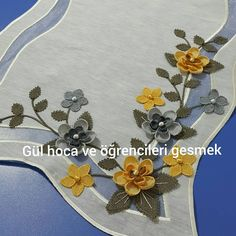 Otomatik alternatif metin yok. Bargello, Elsa, Diy And Crafts, Projects To Try, Brooch, Embroidery, Handmade, Jewelry, Humor