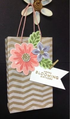 Stampin' Up! Flower Patch, Flower Fair framelits, photopolymer, Suz's Stampin Spot