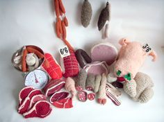 The Wool Butchery. Crochet to the max. Mobiles En Crochet, Crochet Mobile, Crochet Food, Crochet Art, Meat Art, Meat Love, Crochet Phone Cases, Food Artists, Food Patterns