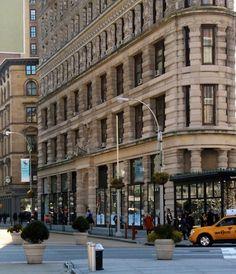 NYC. Manhattan. Flatiron Building groundfloor