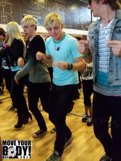R5 busting a move at #MYB13 in NYC
