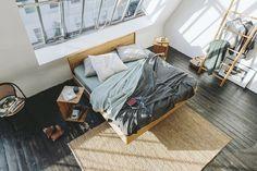 Walden Loft. Schlafen modern. Scandinavian Interior, Scandinavian Design, Sweet Home, Interior Design, Bedroom, Modern, Table, Diy, Furniture