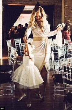 Welcome To Chitoo's Diary.: Beyonce shares sweet photos with Blue Ivy in match...
