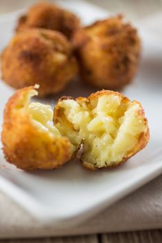 Fried Mac and Cheese | www.oliviascuisine.com