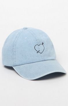 This LA Hearts denim baseball cap is made to be seen. A black heart graphic keeps you casual-chic, while a curved brim keeps your eyes shaded.   Heart and arrow graphic on front Curved brim Adjustable strap closure on back Cotton
