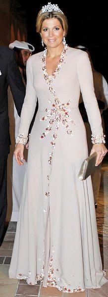 Queen Máxima of the Netherlands Royal Tiaras, Royal Jewels, Queen Of Netherlands, Estilo Real, Fancy Hats, Queen Maxima, Princess Wedding Dresses, Royal Fashion, Mother Of The Bride