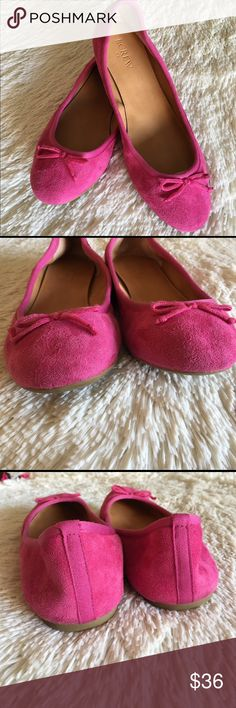 J. Crew Pink Suede Ballet Bow Flats J. Crew pink suede ballet bow flats 🎀 Size: 7.5 fits more like a 7. In great shape. Open to reasonable offers. Fast shipper 📦 Bundle discount available. 🛍 J. Crew Shoes Flats & Loafers