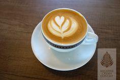Ein herzliches Motiv von einem Teilnehmer. Dein Favorit? Stimme auf unserem Creative-Crema-Contest ab. #Herz #Kaffee #Contest