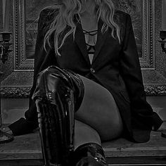 Badass Aesthetic, Aesthetic Dark, Leather And Lace, Leather Pants, Black Photography, Themes Photo, Girl Themes, Crescent City, Aesthetic Pastel Wallpaper