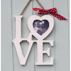 Love Letters with Heart Frame Unique Gifts For Couples, Couple Gifts, Wooden Projects, Wood Crafts, Wood Laser Ideas, Cute Picture Frames, Heart Frame, Wood Letters, Craft Patterns
