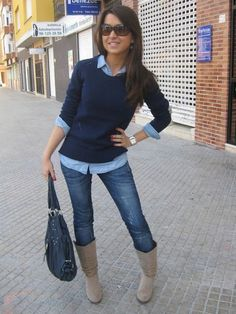 Weekend game or date outfit: Navy sweater, chambray top, skinny jeans. I'd wear brown boots with this outfit. Blue Sweater Outfit, Pullover Outfit, Preppy Sweater, Sweater Boots, Winter Cardigan Outfit, Cute Sweater Outfits, Brown Outfit, Blue Cardigan, Tunic Shirt