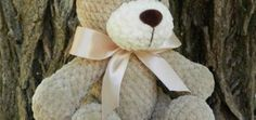 Get this free amigurumi teddy bear pattern at Amiguroom Toys. To crochet the plush bear you will need Himalaya Dolphin Baby yarn and mm crochet hook. Crochet Teddy Bear Pattern, Plush Pattern, Crochet Bear, Crochet Patterns Amigurumi, Cute Crochet, Crochet Animals, Crochet Dolls, Free Pattern, Bowtie Pattern
