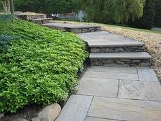 8 Flagstone and Slate Walkway Ideas | Flagstone walkway, Flagstone ...