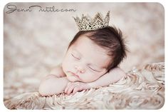 Champagne backdrop is gorgeous. newborn sorrisophotography-and-the-love-of-photography
