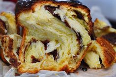 Cozonac cu crema de nuca - CAIETUL CU RETETE Romanian Desserts, Cheesesteak, French Toast, Bacon, Sandwiches, Food And Drink, Sweets, Bread, Breakfast